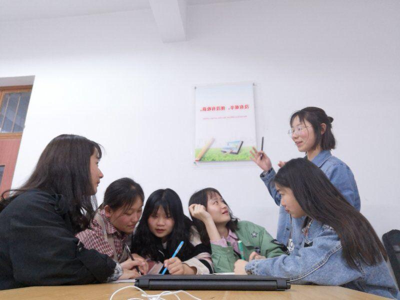 """自习室之歌歌词_外语学院18级团总支好学月活动系列活动之""""室歌之夜"""" -郑州升 ..."""